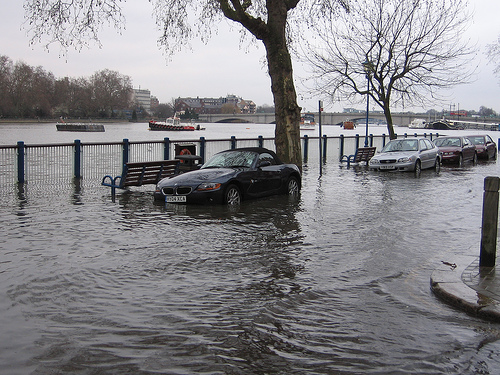 thames flood2.jpg