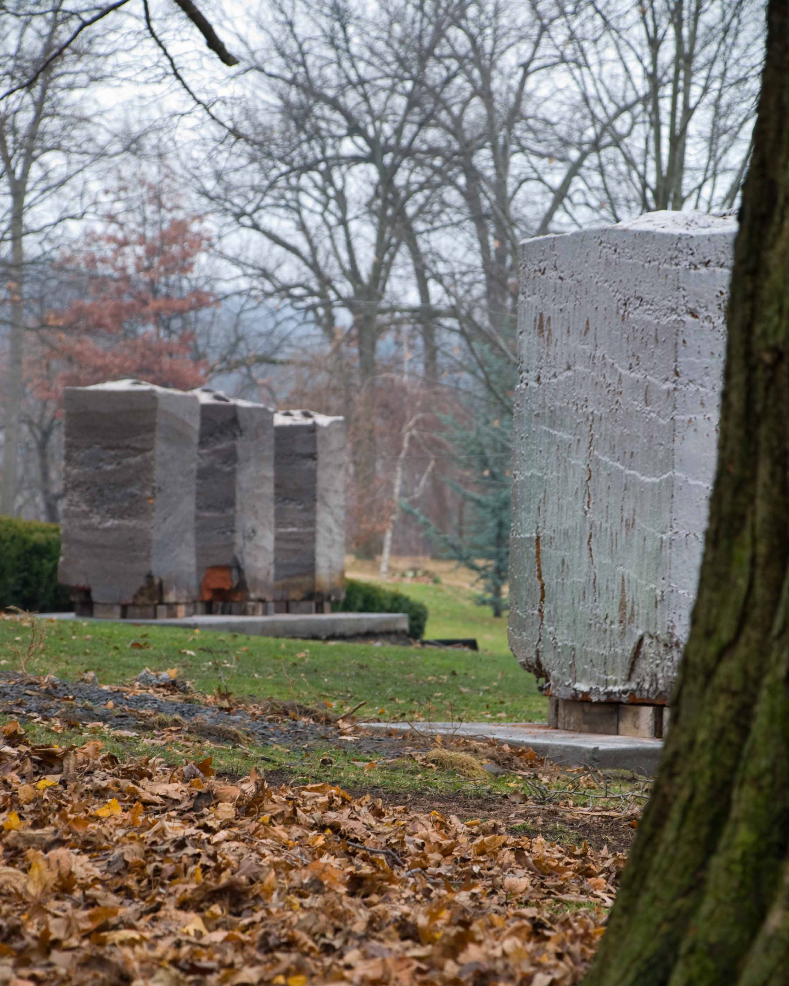 stele-installation-nay-aug-park-1